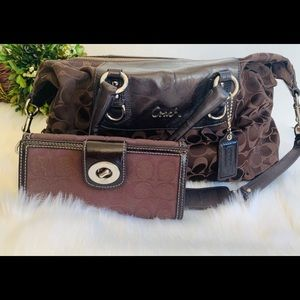 Womens Coach Brown Purse and Wallet